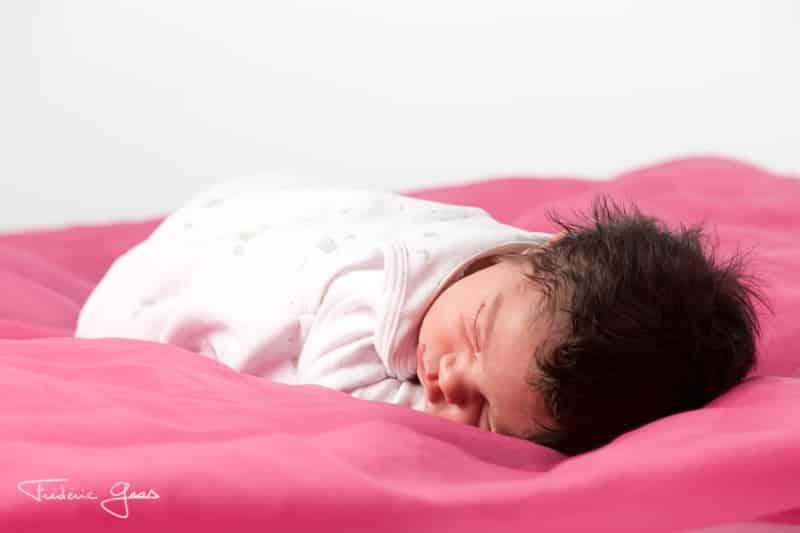 nouveau-né qui dort