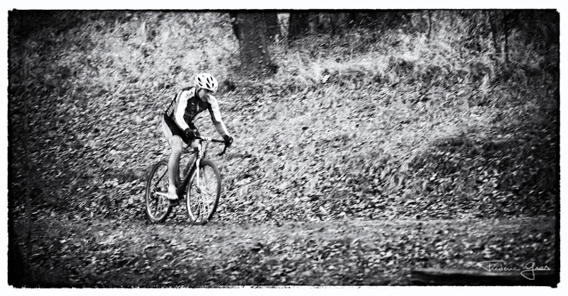 cycliste en cyclo-cross