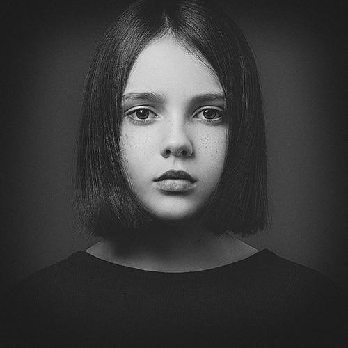 photo enfant en noir et blanc