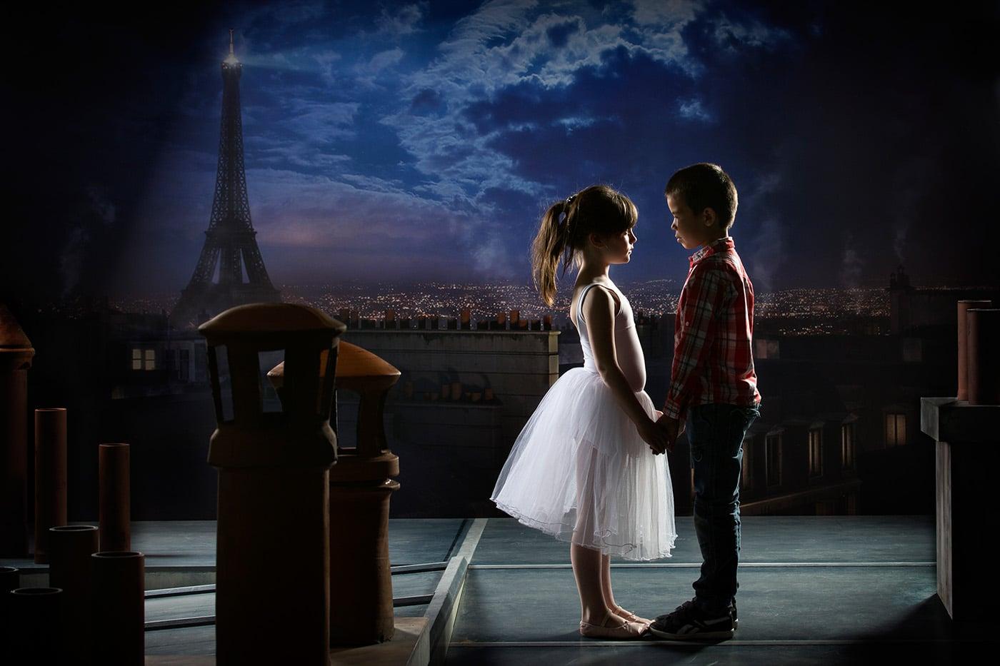 enfants sur les toits de Paris