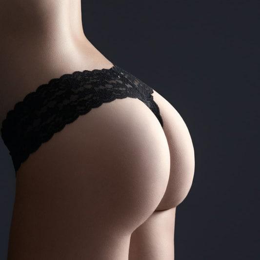 fesses avec lingerie noire