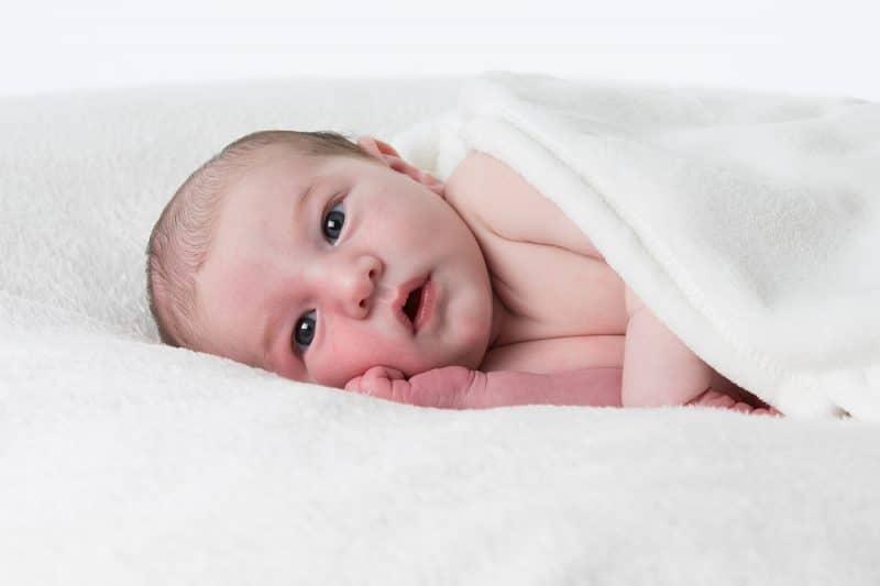 Photographe de nouveau-nés dans les Yvelines à Elancourt