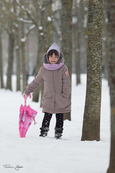 photo enfant sous la neige